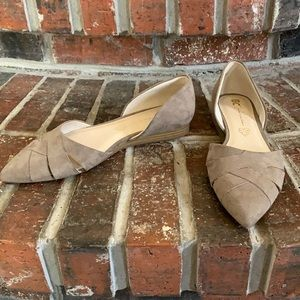 Focal Point Vegan Pointy Toe Taupe Flats 8.5